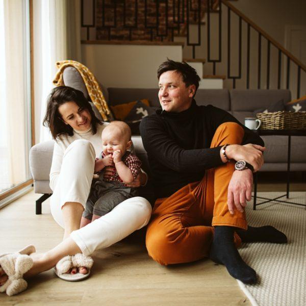 Sesja rodzinna w domu
